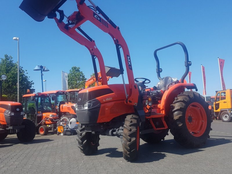 Traktor des Typs Kubota L1501 incl Frontlader, Neumaschine in Olpe (Bild 1)