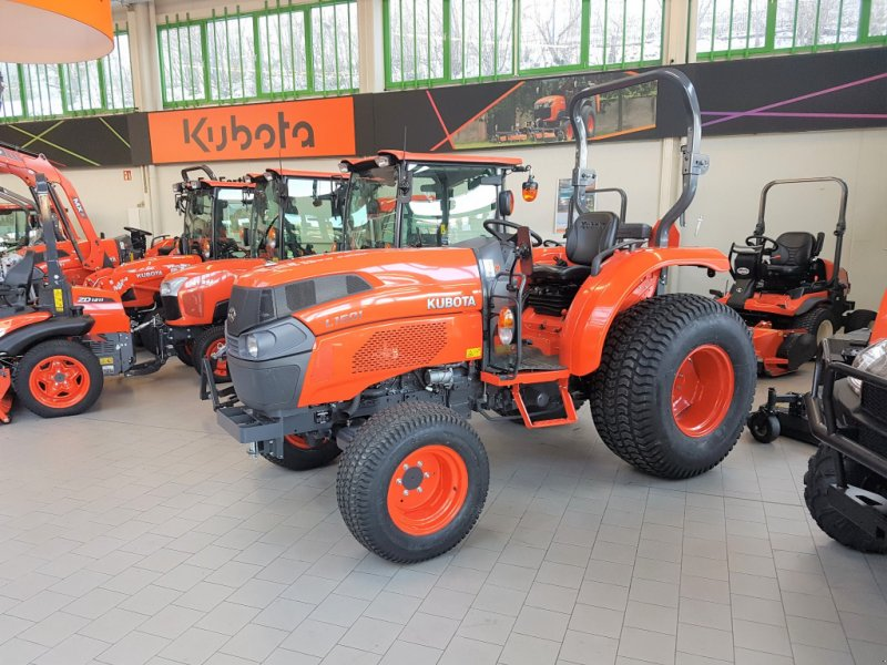 Traktor des Typs Kubota L1501 incl Rasenbereifung, Neumaschine in Olpe (Bild 1)