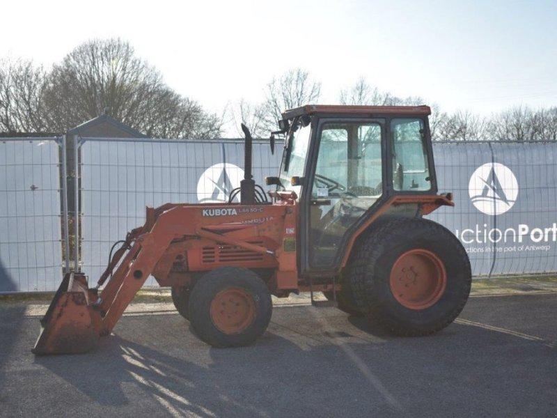 Traktor типа Kubota L3250, Gebrauchtmaschine в Antwerpen (Фотография 1)
