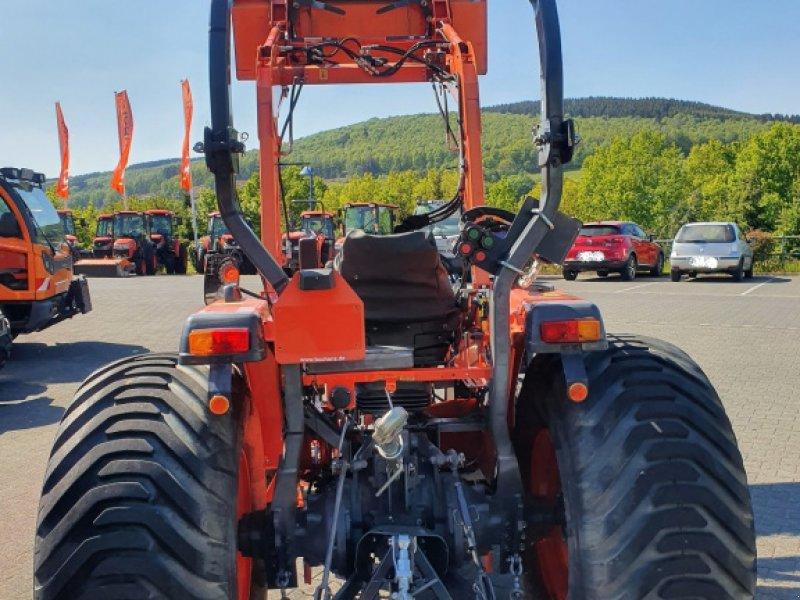 Traktor des Typs Kubota L4100 HST Frontlader, Gebrauchtmaschine in Olpe (Bild 4)
