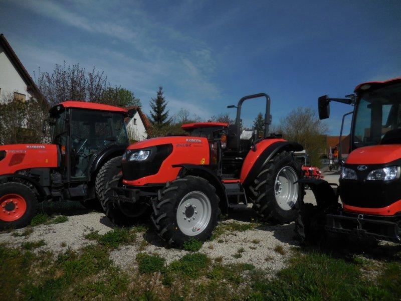 Traktor des Typs Kubota M 4062 Rops, Neumaschine in Waischenfeld (Bild 1)