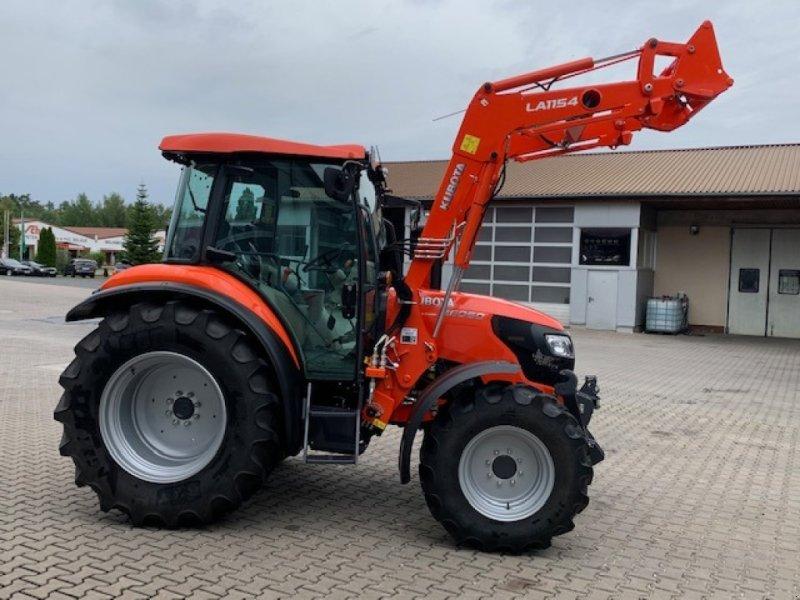 Traktor des Typs Kubota M 6060 mit Frontlader LA1154, Gebrauchtmaschine in Weißenburg (Bild 3)