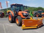 """Traktor des Typs Kubota M4062 CAB """"Winterdienstpaket"""", Neumaschine in Olpe"""
