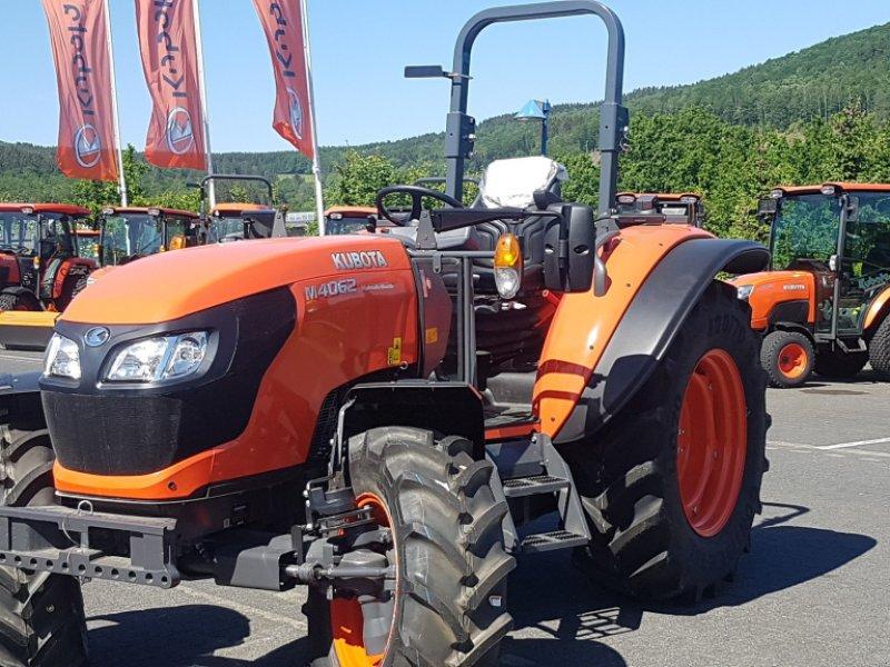 Traktor des Typs Kubota M4062 ROPS, Neumaschine in Olpe (Bild 1)