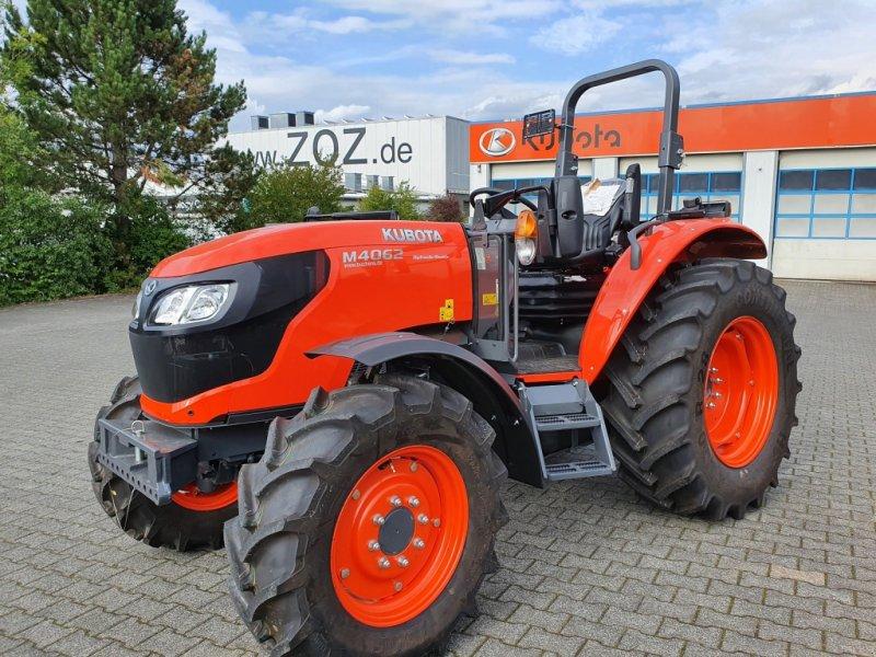 Traktor des Typs Kubota M4063 ROPS, Neumaschine in Olpe (Bild 3)