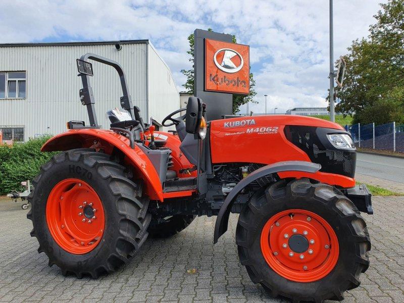 Traktor des Typs Kubota M4063 ROPS, Neumaschine in Olpe (Bild 7)