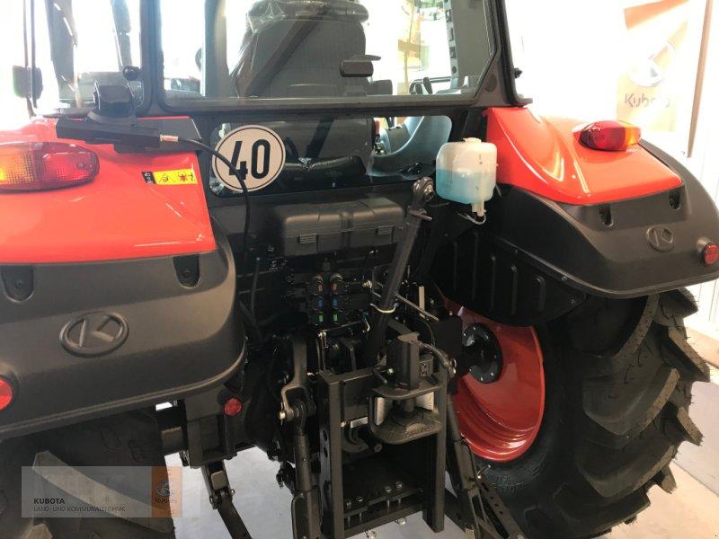 Traktor типа Kubota M4072 36x36 Klima Wendeschaltung 60 Mon. 0,0%, Neumaschine в Biessenhofen (Фотография 5)