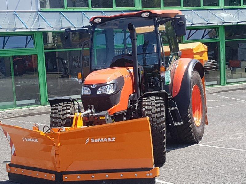 """Traktor des Typs Kubota M4073 CAB """"Winterdienstpaket"""", Neumaschine in Olpe (Bild 1)"""