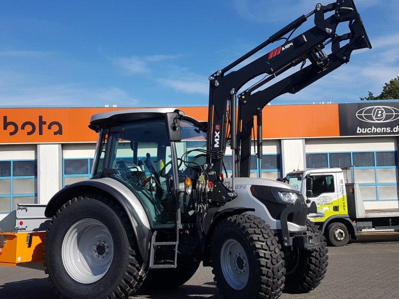 Traktor des Typs Kubota M4073 CAB, Neumaschine in Olpe (Bild 1)