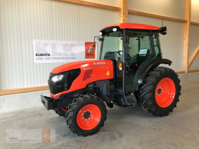 Traktor des Typs Kubota M5071 Narrow 36x36 Kabine, Neumaschine in Biessenhofen (Bild 1)