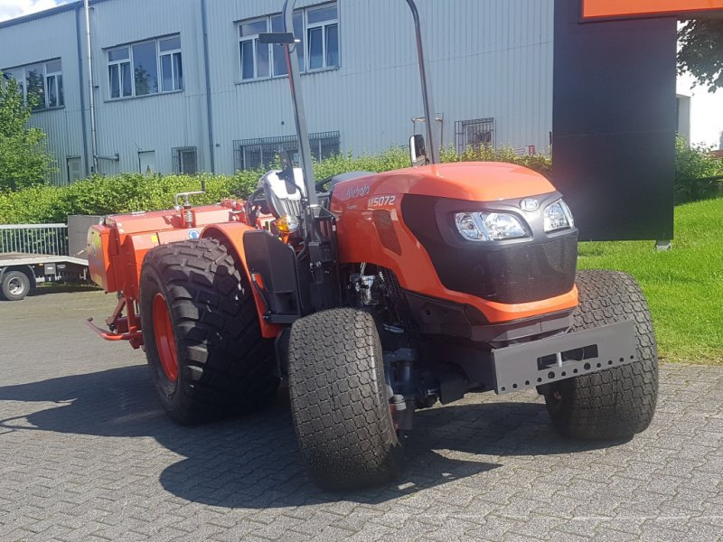 Traktor des Typs Kubota M5072 Narrow Turf, Neumaschine in Olpe (Bild 3)