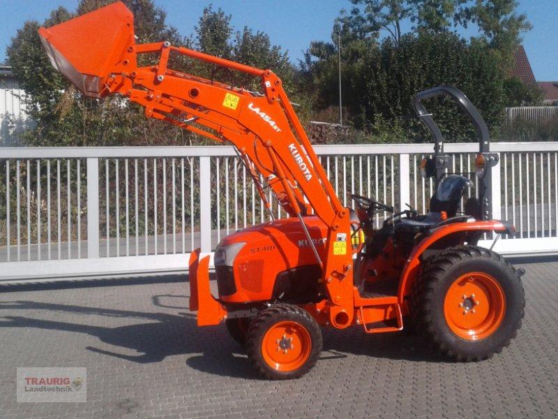 Traktor des Typs Kubota ST 401 Hydrostat mit Frontlader, Neumaschine in Mainburg/Wambach (Bild 1)