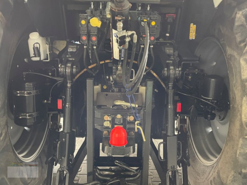 Traktor des Typs Lamborghini R.130.4 T4i, Gebrauchtmaschine in Fürsteneck (Bild 4)