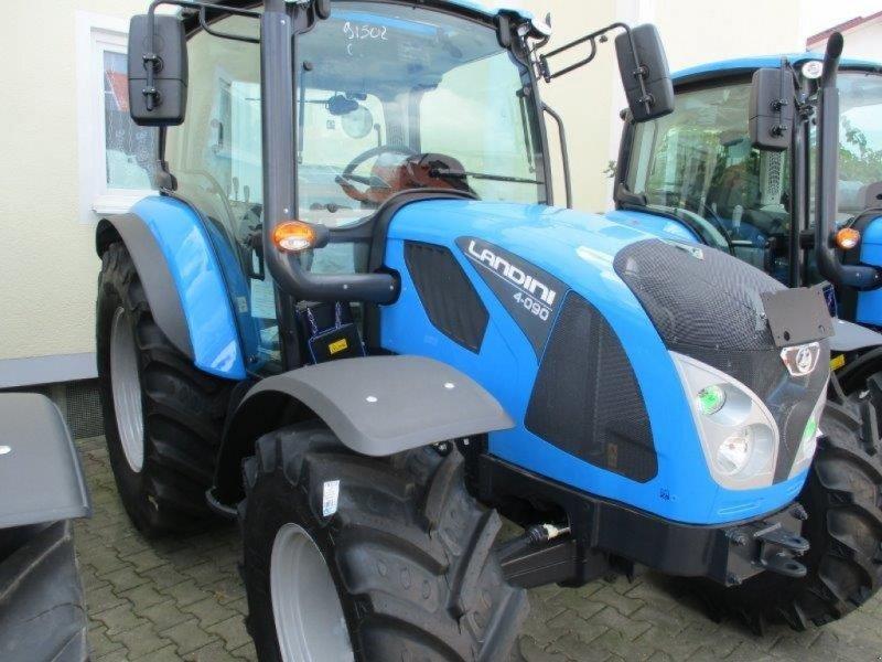 Traktor des Typs Landini 4-090, Neumaschine in Au/Hallertau (Bild 1)