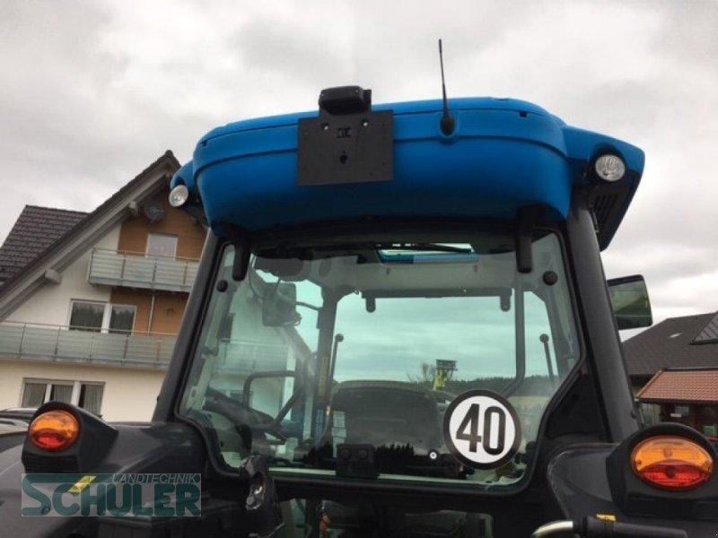 Traktor des Typs Landini 5-090 D, Neumaschine in St. Märgen (Bild 3)