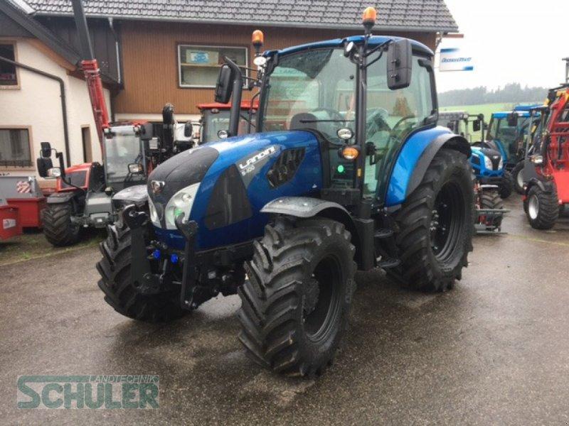 Traktor des Typs Landini 5-100, Neumaschine in St. Märgen (Bild 1)