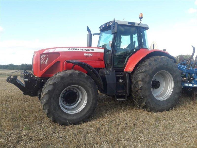 Traktor des Typs Massey Ferguson >8480 Dyna VT frontlift og PTO, Gebrauchtmaschine in Brædstrup (Bild 1)