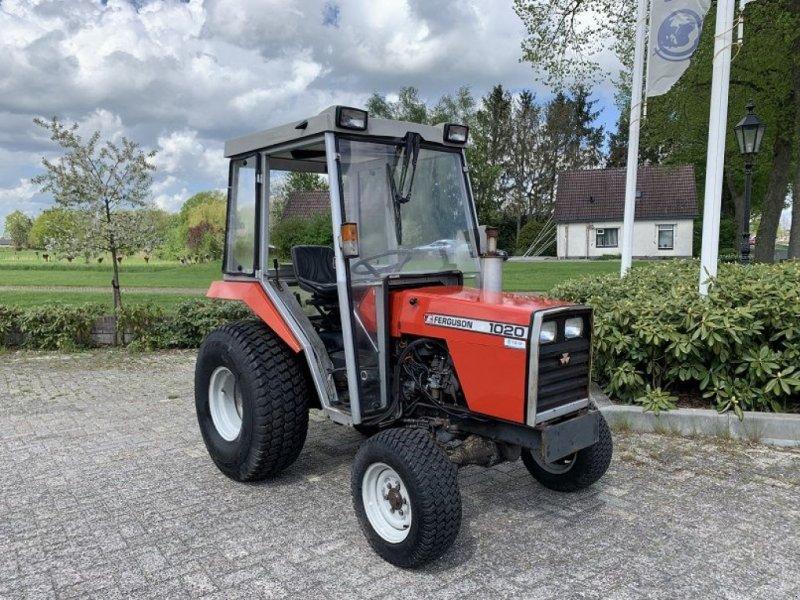 Traktor типа Massey Ferguson 1020, Gebrauchtmaschine в Vriezenveen (Фотография 1)