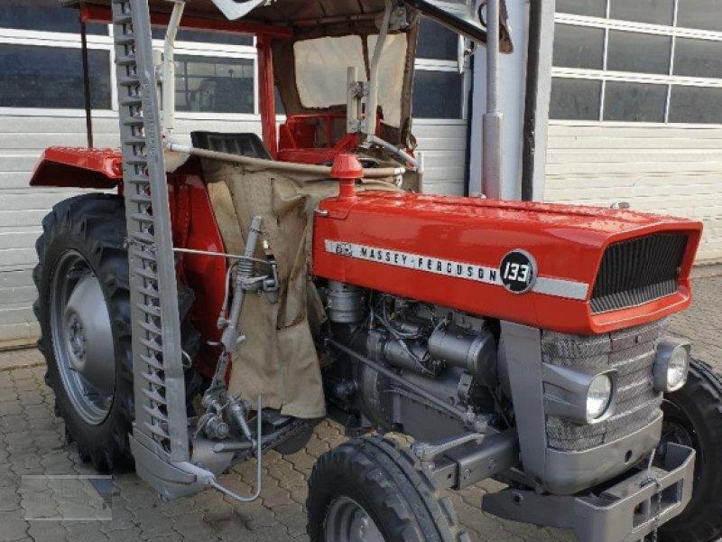 Traktor des Typs Massey Ferguson 133, Gebrauchtmaschine in Kleinlangheim - Atzhausen (Bild 1)