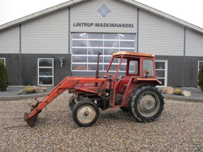Traktor типа Massey Ferguson 135 med læsser, Gebrauchtmaschine в Lintrup (Фотография 1)