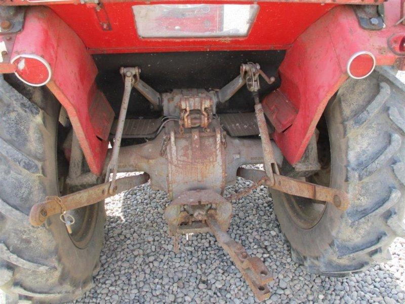 Traktor des Typs Massey Ferguson 135 med lukket kabine, Gebrauchtmaschine in Lintrup (Bild 4)