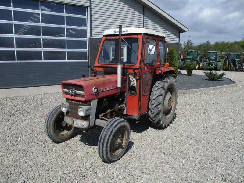 Traktor des Typs Massey Ferguson 135 med lukket kabine, Gebrauchtmaschine in Lintrup (Bild 2)