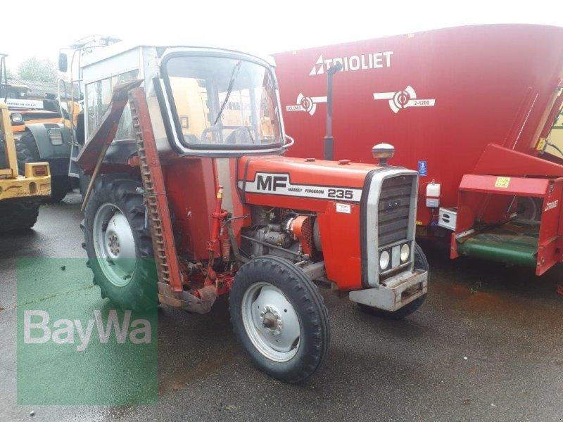 Traktor des Typs Massey Ferguson 235, Gebrauchtmaschine in Ravensburg (Bild 1)