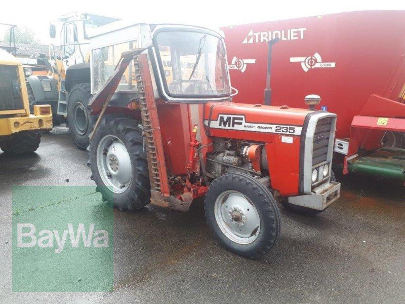 Traktor des Typs Massey Ferguson 235, Gebrauchtmaschine in Ravensburg (Bild 3)
