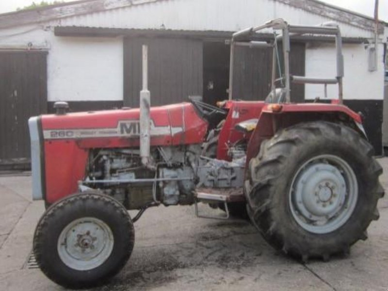 Traktor des Typs Massey Ferguson 260, Gebrauchtmaschine in Ziegenhagen (Bild 1)