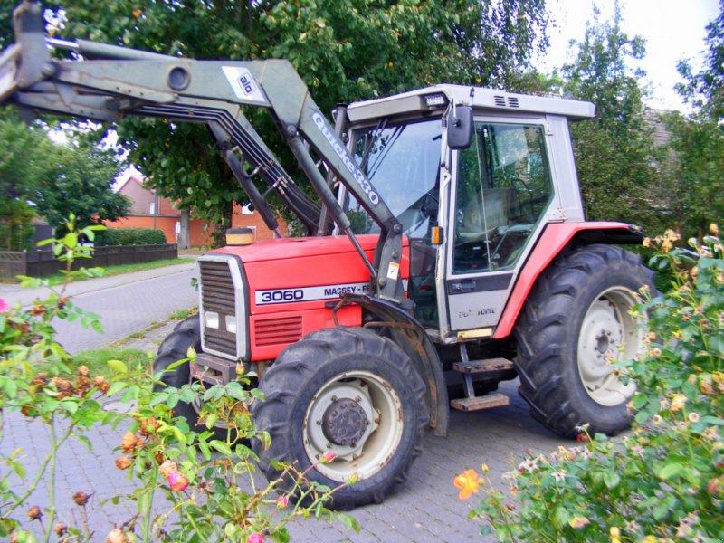 Traktor des Typs Massey Ferguson 3060 Frontlader+Druckluft, Gebrauchtmaschine in Kutenholz (Bild 1)