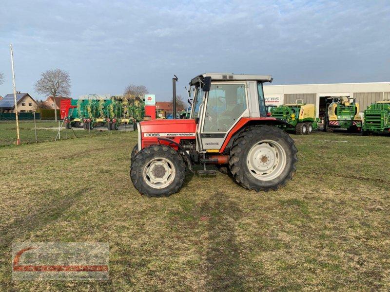 Traktor des Typs Massey Ferguson 3065, Gebrauchtmaschine in Salzkotten (Bild 1)