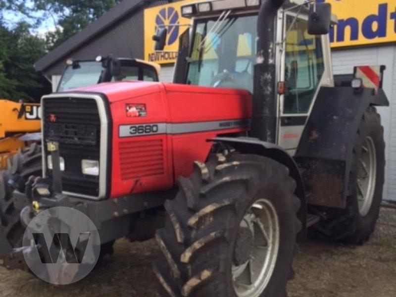 Traktor des Typs Massey Ferguson 3680, Gebrauchtmaschine in Husum (Bild 2)