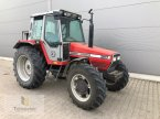 Traktor des Typs Massey Ferguson 387 in Neuhof - Dorfborn