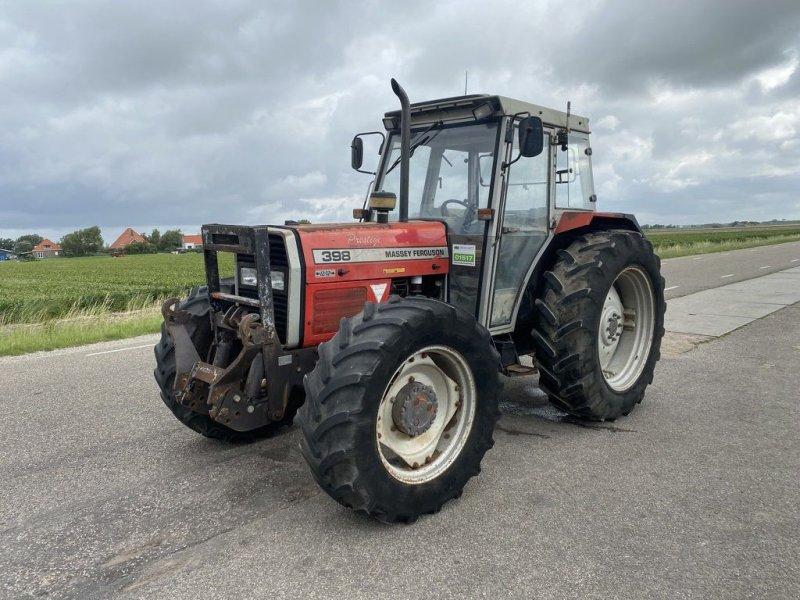 Traktor des Typs Massey Ferguson 398, Gebrauchtmaschine in Callantsoog (Bild 1)