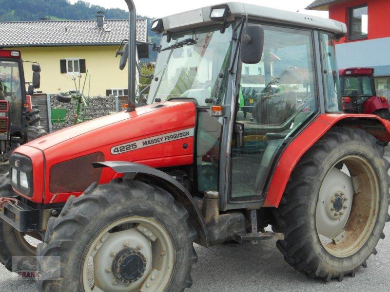 Traktor des Typs Massey Ferguson 4225-4 LP, Gebrauchtmaschine in Bad Vigaun (Bild 1)