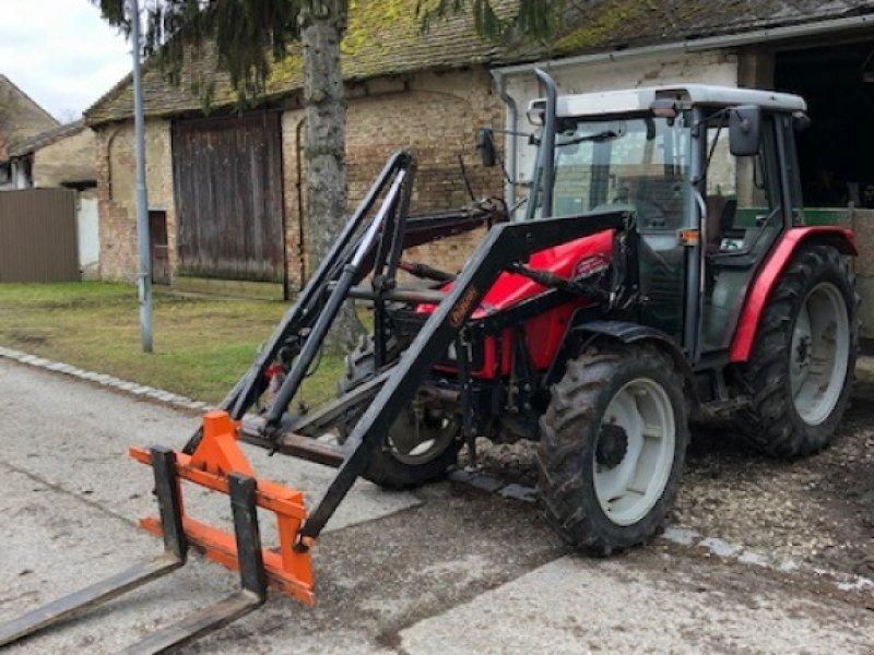 Traktor des Typs Massey Ferguson 4225, Gebrauchtmaschine in Neudorf im Weinviertel (Bild 1)
