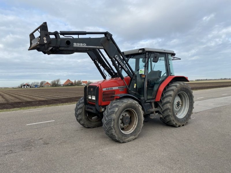 Traktor типа Massey Ferguson 4245, Gebrauchtmaschine в Callantsoog (Фотография 1)