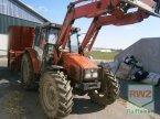 Traktor des Typs Massey Ferguson 4245 in Kruft