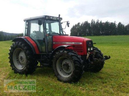 Traktor типа Massey Ferguson 4260, Gebrauchtmaschine в Mitterteich (Фотография 1)