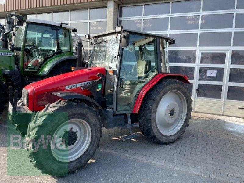 Traktor typu Massey Ferguson 4325, Gebrauchtmaschine v Fürth (Obrázok 1)