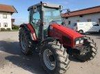 Traktor des Typs Massey Ferguson 4345 in Altötting