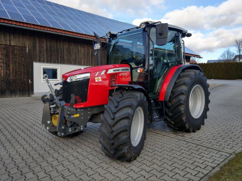 Traktor des Typs Massey Ferguson 4707, Gebrauchtmaschine in Wiesenfelden (Bild 1)