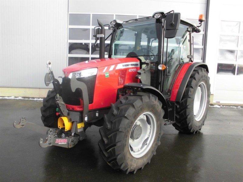 Traktor des Typs Massey Ferguson 4709, Gebrauchtmaschine in Burgkunstadt (Bild 1)