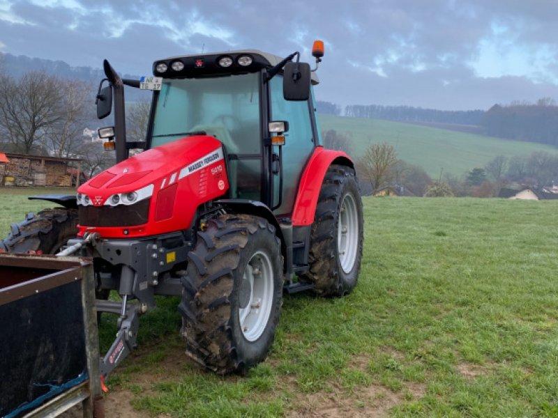 Traktor des Typs Massey Ferguson 5410, Gebrauchtmaschine in Großmaischeid (Bild 1)