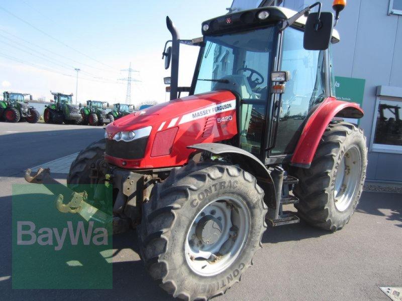 Traktor des Typs Massey Ferguson 5420, Gebrauchtmaschine in Großweitzschen  (Bild 1)