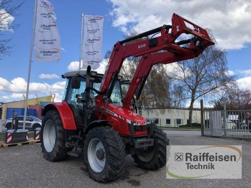 Traktor des Typs Massey Ferguson 5430 Dyna4, Gebrauchtmaschine in Bad Oldesloe (Bild 1)