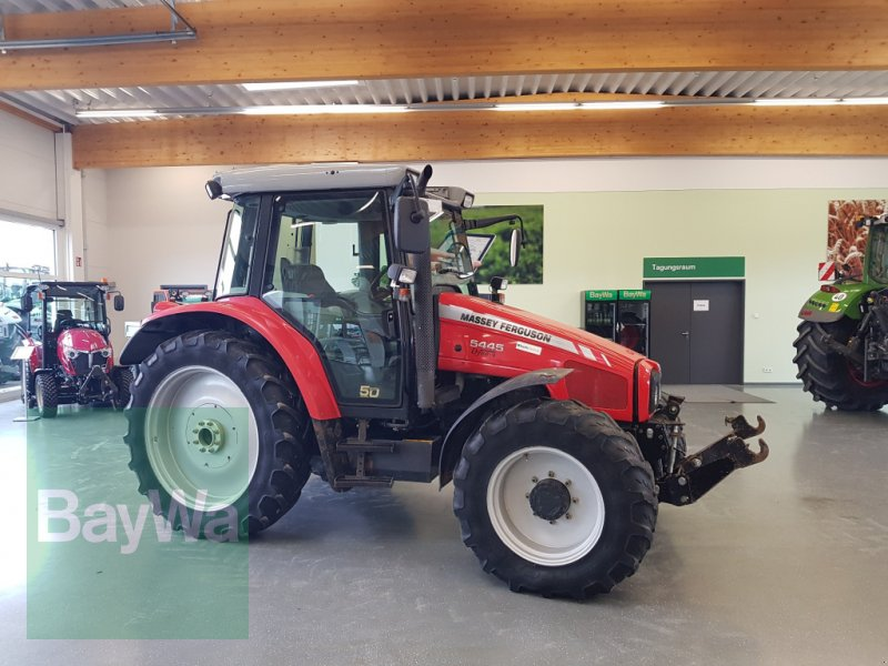 Traktor des Typs Massey Ferguson 5445 Dyna 4  Freisicht, Gebrauchtmaschine in Bamberg (Bild 1)