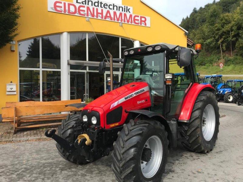 Traktor des Typs Massey Ferguson 5445 Dyna 4, Gebrauchtmaschine in Burgkirchen (Bild 1)