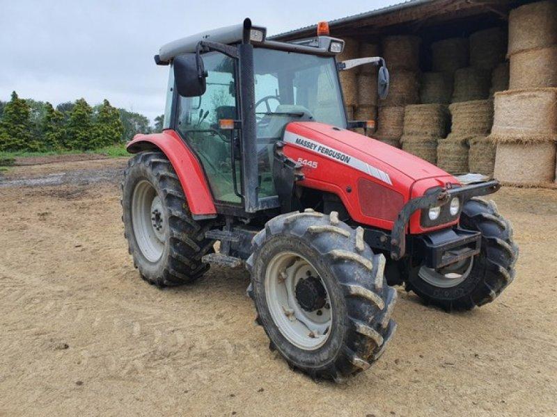 Traktor типа Massey Ferguson 5445, Gebrauchtmaschine в DOMFRONT (Фотография 1)