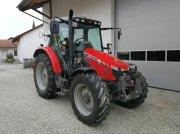 Traktor des Typs Massey Ferguson 5450 in Leiblfing